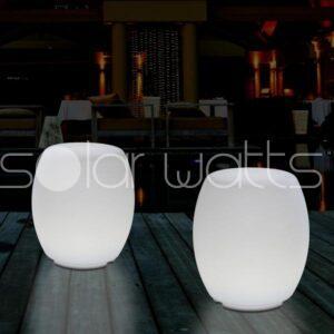 Scaune si mese luminoase cu LED